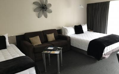Green Gables Motel  | Call: Jodie & Dom on 04 5693596